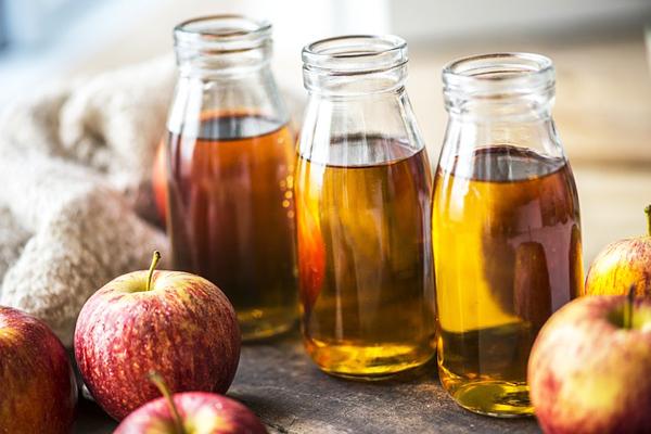 elma sirkesi ile döküm tencere temizliği