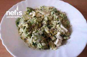 Kahvaltılık Avokado Salatası Tarifi