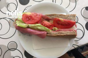 Jambonlu Kolay Sandviç Tarifi