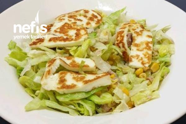 Ton Balıklı Hellim Peynirli Salata Tarifi