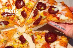 İncecik Pizza (Gerçek Bir Pizza Yapmak İsteyenlere) Tarifi