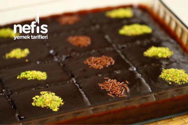 Sosu Efsane Çikolatalı Islak Kek