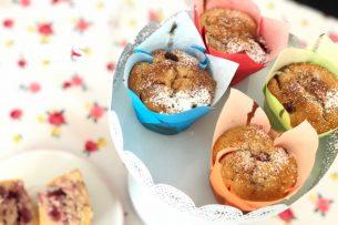 Çilekli Cupcake (Yumuşacık Topkek) Tarifi