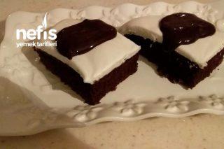 Ağlayan Pasta ( Çikolata Soslu ) Tarifi