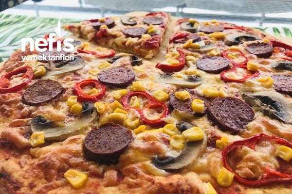 Ev Yapımı İnce Hamurlu Karışık Pizza Tarifi