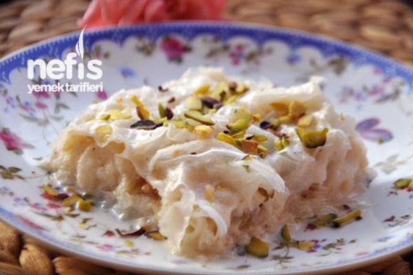 Güllaç Kaç Kalori? Ramazanın Favorisi Güllaç Kalori ve Besin Değeri Tarifi