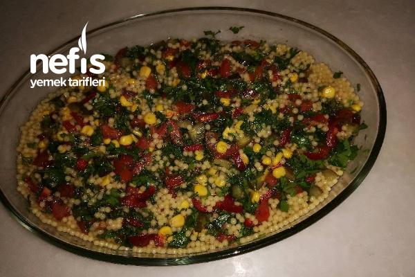 Hem Doyurucu Hem Lezzetli Kuskus Salatası Tarifi