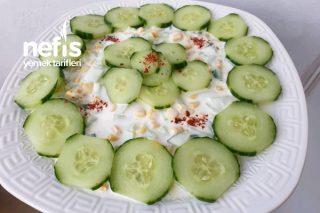 Serinletici Yaz Salatası Tarifi