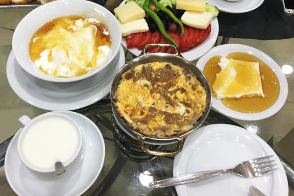 izmir kahvaltı 2019