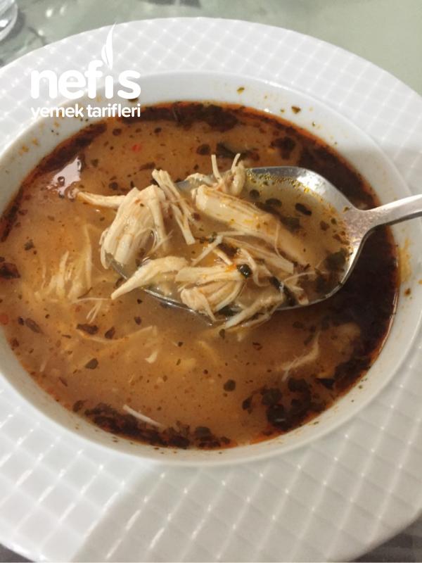 Bol Sarımsaklı Tavuk Çorbası