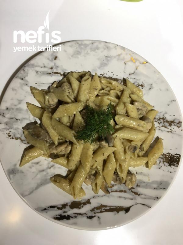 Kremalı Tavuklu Makarna (pesto+kori Sos)