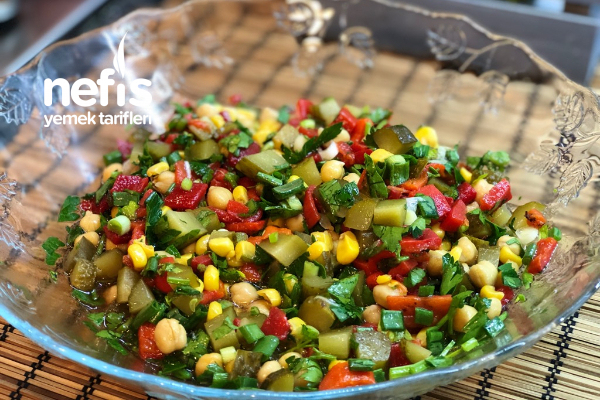 Nohut Salatası (Videolu)