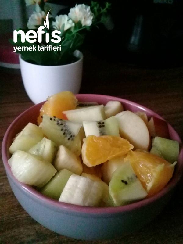 Vitamin Deposu Meyve Salatası
