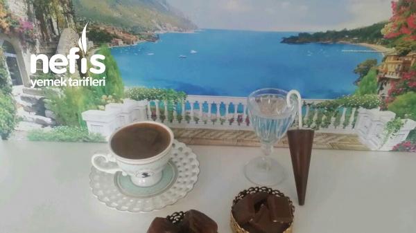 Çikolatalı Bol Köpüklü İzmir Dibek Kahvesi