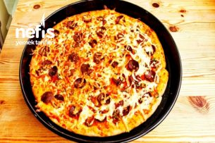 Kaşarlı Sucuklu Pizza Tarifi (videolu)