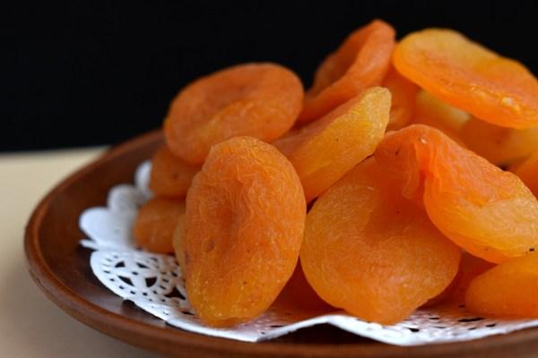 kilo verdiren yiyecekler kuru kayısı
