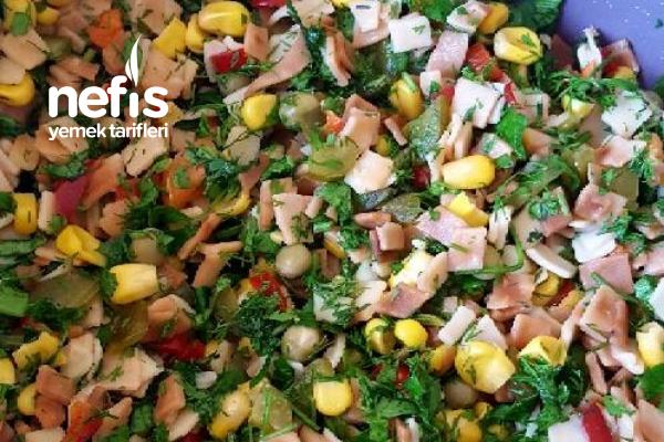Kırpık Erişte Salatası Tarifi