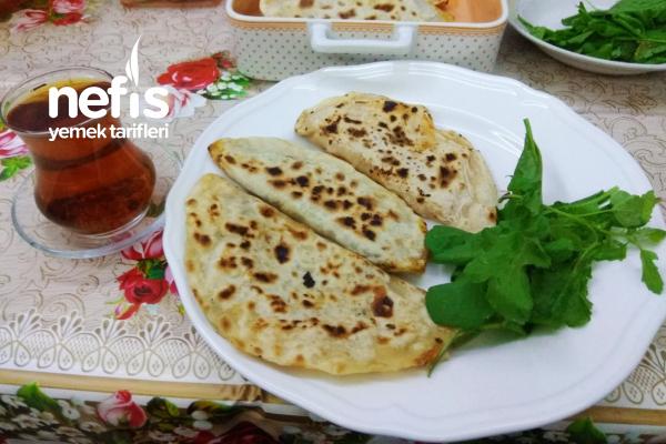 Lezzetli Börek Çeşitleri (Ispanaklı,Domatesli Ve Peynirli) Tarifi