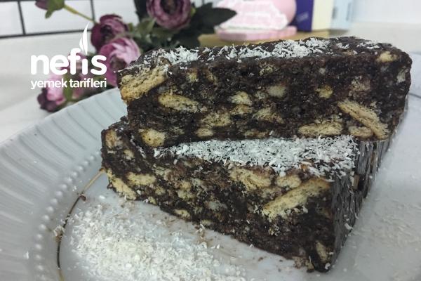 Kalmış Kek Ve Puding İle Mozaik Pasta Tarifi