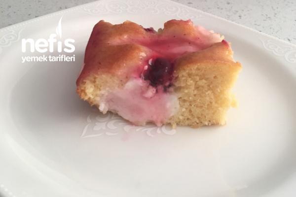 Enfes Böğürtlenli Pasta Tarifi