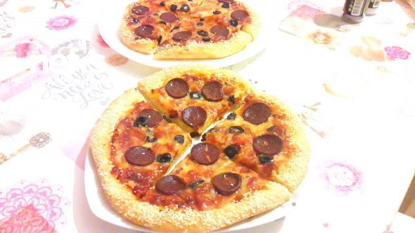 4 adet susamli Pizza(lezzetli Hamuruyla)