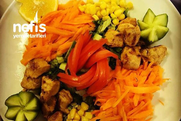 Tavuklu Aşk Salatası Tarifi