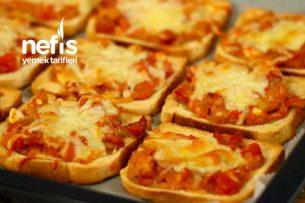 Anında Tükenen Ekmek Pizzası Yapımı (Videolu) Tarifi
