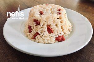 Sucuklu Pirinç Pilavı Tarifi