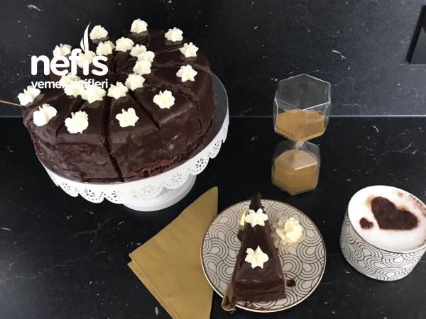 Viyananın En Ünlü Pastası / Sachertorte