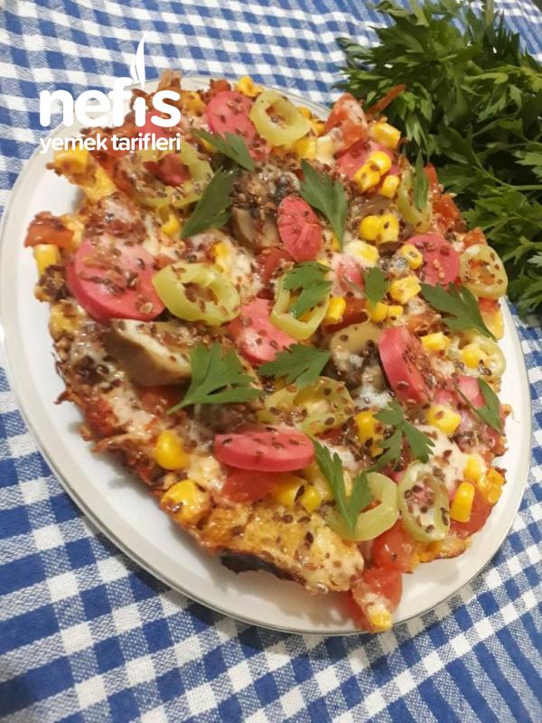Kahvaltıya Omlet Tabanlı Pizza