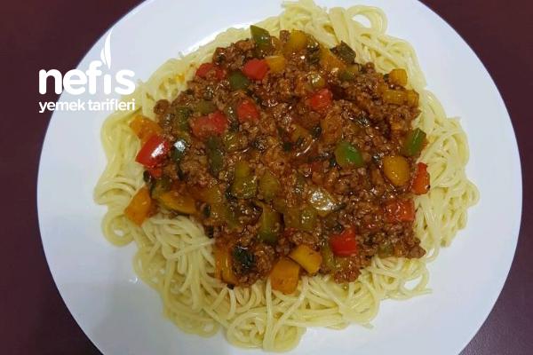 Bolognese Soslu Kıymalı Spagetti Tarifi
