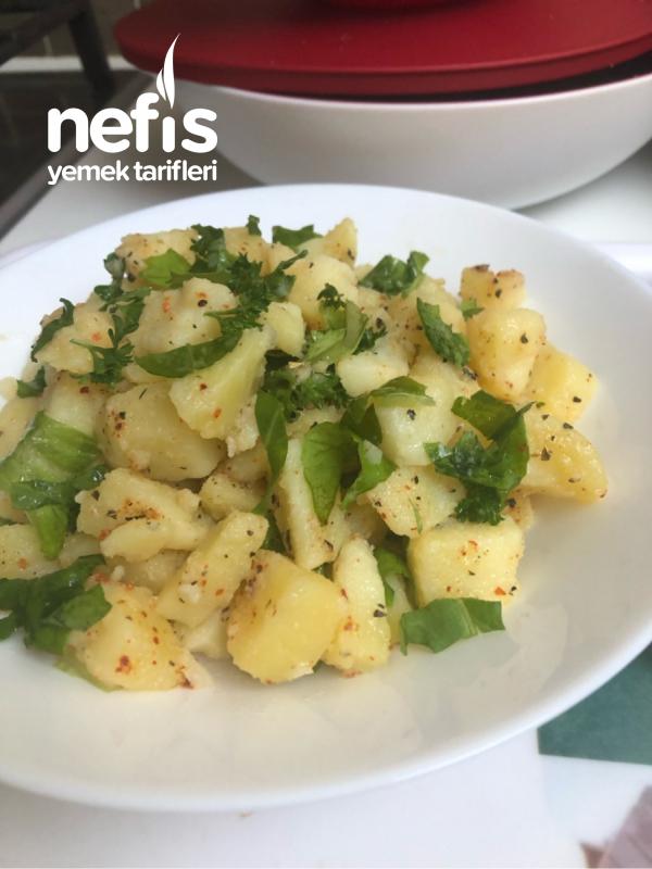 Kuru Reyhanlı Patates Salatası