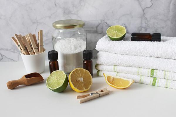 Doğal Temizlik Ürünleri – Evinizdeki 5 Gizli Malzeme ile Ekonomik Hijyen Tarifi
