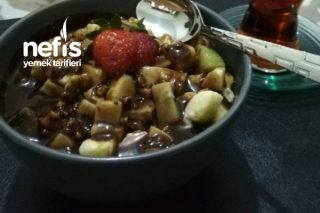 Çikolatalı Meyve Salatası Tarifi