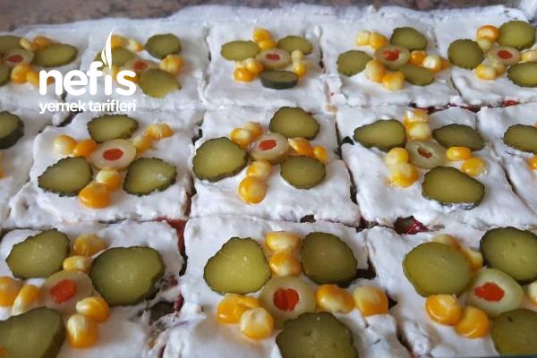 Etimekli Süslü Salatam Tarifi