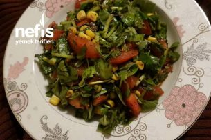 Semizotu Salatası (Bol Ekşili, 5 Dakikada) Tarifi