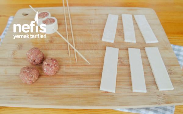 Şişte Milföylü Köfte (Yoğurt Yatağında)