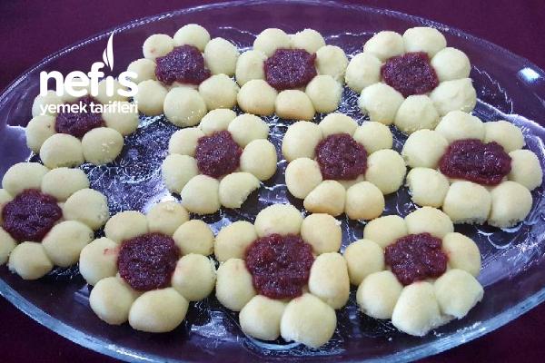 Marmelatlı Çiçek Kurabiyelerim Tarifi