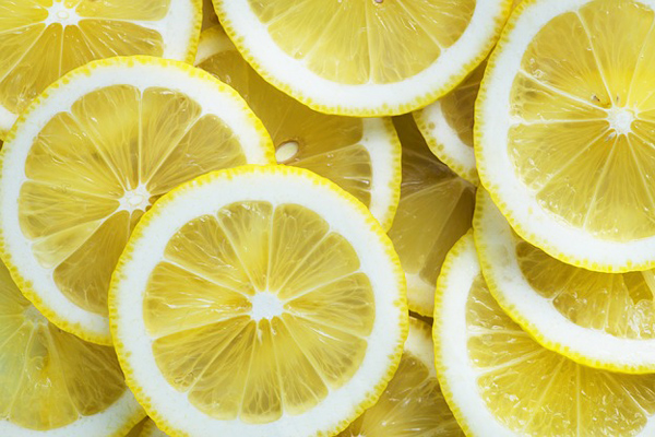 limon zerdeçal maskesi