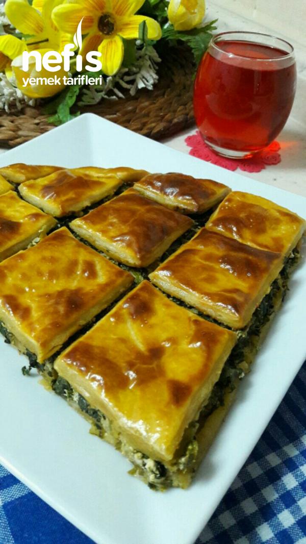 El Açması Ispanaklı ,peynirli Börek