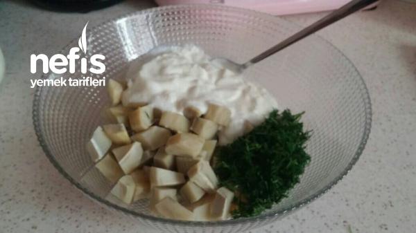 Ferah Yoğurtlu Enginar Salatası