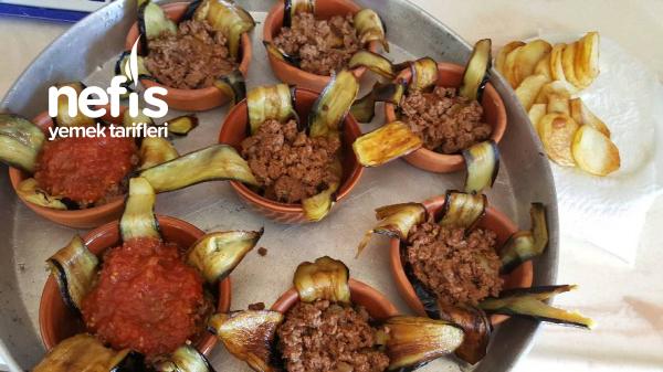 Güveçde Porsiyonluk patlıcan kapama