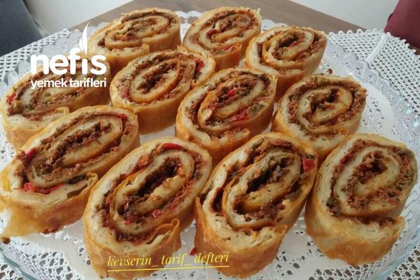 Lahmacun Böreği (Muhteşem Lezzet) Tarifi