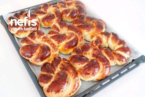 Yumuşacık! Pamuk Gibi Tel Tel Açılan Pastane Usulü Açma Tarifi (Videolu)