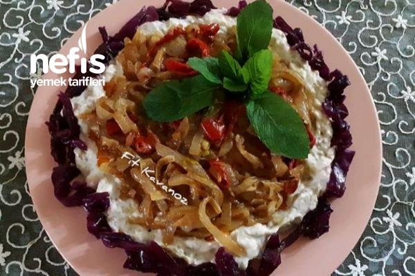 Kramalize Soğan Soslu Közlenmiş Yoğurtlu Patlıcan Salatası Tarifi