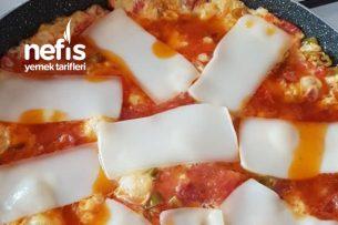 Pizza Tadında Menemen Tarifi