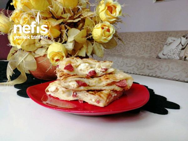 Sahur İçin Pizza Tadında Börek (yufkalı)
