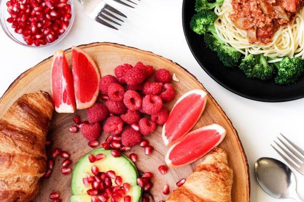Gece Acıkınca Yiyebileceğiniz En Sağlıklı 5 Atıştırmalık Tarifi