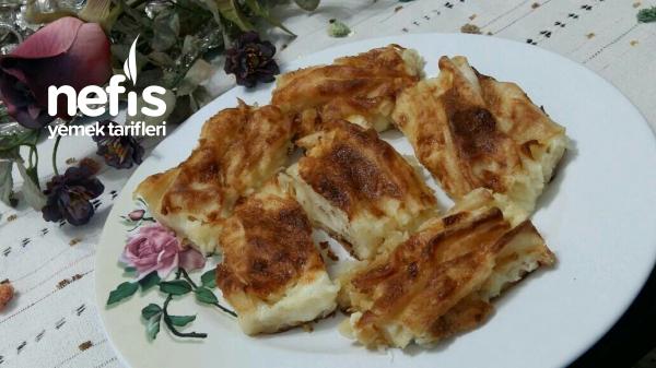 Kırma Börek (lezzeti sosunda)