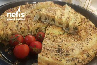 Sahurda Enfes Peynirli Tepsi Börek Tarifi